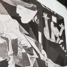Libros de segunda mano: GUERNICA: PABLO PICASSO - TEXTOS DE JUAN LARREA. Lote 277749588