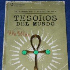 Libros de segunda mano: EL LIBRO DE LOS ENIGMAS Y TESOROS DEL MUNDO - MICHAEL BRADLEY - PARANINFO (2009). Lote 278427213