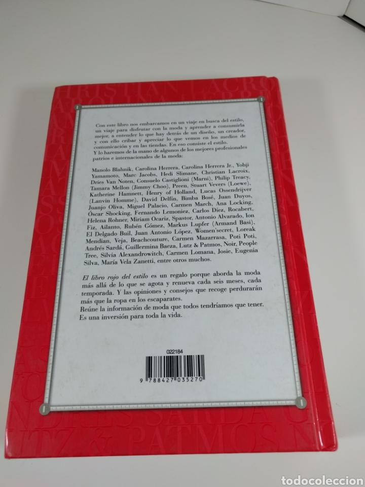 Libros de segunda mano: El libro rojo del estilo. 1000 claves y consejos. Brenda Chávez. - Foto 3 - 287706528