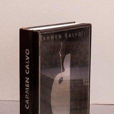 Libros de segunda mano: CARMEN CALVO - LIBRO ESCULTURA - 1997 - CON DIBUJO Y DEDICATORIA AUTÓGRAFA. Lote 289237608