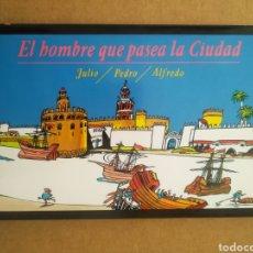 Libros de segunda mano: EL HOMBRE QUE PASEA LA CIUDAD, POR JULIO, PEDRO Y ALFREDO (MONTE DE PIEDAD Y CAJA DE AHORROS, 1992).. Lote 297266843