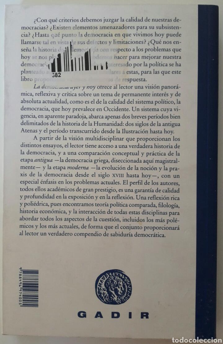 Libros: Libro La democracia ayer y hoy - Luis Garcia Moreno y Gabriel Tortella - Foto 2 - 128173019