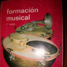 Libros de segunda mano: FORMACION MUSICAL - PRIMER CURSO - M. MURCIA - REAL MUSICAL MADRID - 215 PAGINAS - 5ª EDICION. Lote 26969372