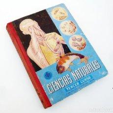Libros de segunda mano: CIENCIAS NATURALES. TERCER CURSO / EDELVIVES / ED. LUIS VIVES 1961 / 1ª ED. / LIBRO ESCOLAR. Lote 87120296
