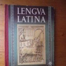 Libros de segunda mano: LENGUA LATINA TERCER CURSO 4º EDITORIAL LUIS VIVES1957. Lote 103696983