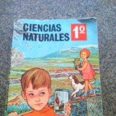 Libros de segunda mano: CIENCIAS NATURALES -- 1º ANIMALES Y PLANTAS -- EDICIONES SM 1969 --. Lote 105927363