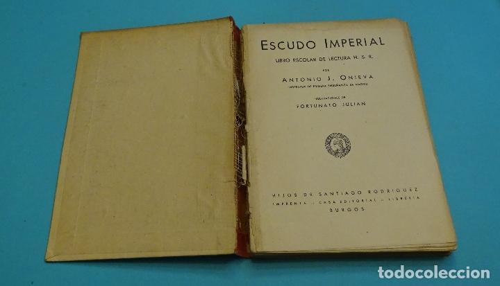 Libros de segunda mano: ESCUDO IMPERIAL. HIJOS DE SANTIAGO RODRÍGUEZ. ILUSTRACIONES DE FORTUNATO JULIÁN. 1943 - Foto 2 - 130959920