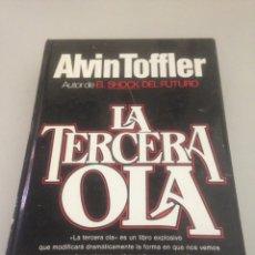 Libros de segunda mano: LA TERCERA OLA. Lote 148171461