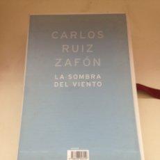 Livros em segunda mão: LA SOMBRA DEL VIENTO - CARLOS RUIZ ZAFÓN. Lote 160574480