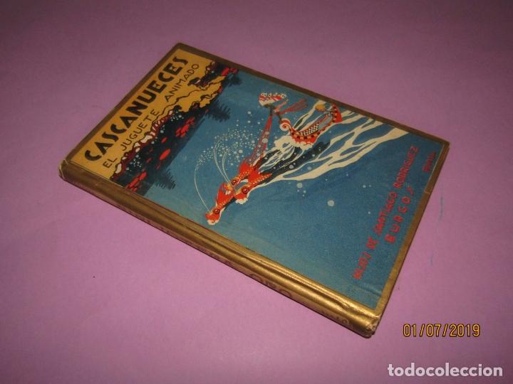 Libros de segunda mano: Antiguo CASCANUECES - EL JUGUETE ANIMADO de Hijos de Santiago Rodríguez - Burgos - Año 1930-40s. - Foto 3 - 170111068