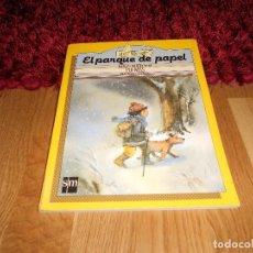 Libros de segunda mano: EL PARQUE DE PAPEL. POEMAS. PILAR MOLINA LLORENTE. LIBRO DE LECTURA SM CICLO INICIAL 1985 RARO. Lote 183626213