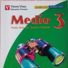 Libros de segunda mano: 3º PRIMARIA, MEDIO NATURAL, SOCIAL E CULTURAL, MUNDO DE CORES, VICENS VIVES, 2008 // LECTURAS LINGUA. Lote 187371697