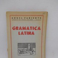 Libros de segunda mano: LIBROS GRAMÁTICA LATINA. ÁNGEL PARIENTE. 1960.. Lote 195009587