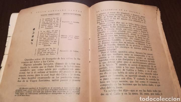 Libros de segunda mano: El Evangelio en la Escuela. Libro de 1940. - Foto 3 - 195338163