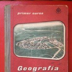 Libros de segunda mano: GEOGRAFÍA DE ESPAÑA PRIMER CURSO BACHILLERATO EDITORIAL LUIS VIVES AÑO 1963. Lote 199125211