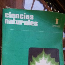 Libros de segunda mano: CIENCIAS NATURALES. 1 BACHILLERATO. SANTILLANA.1975. Lote 202659008