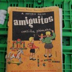 Libros de segunda mano: LIBRO AMIGUITOS ANTONIO ARIAS HIJOS DE SANTIAGO RODRÍGUEZ BURGOS PRIMERA CARTILLA AÑO 1963. Lote 250207795