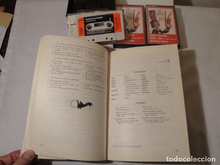 Libros: Libro y casetes originales (3): Getting on in English. Curso de Inglés. Editorial Alhambra, 1971. - Foto 4 - 222262946
