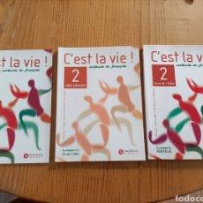 Libros: C'EST LA VIE. MÉTHODE DE FRANÇAIS. 2⁰. COMPLETO. TRES LIBROS Y CD. NUEVO. SANTILLANA. Lote 289668833