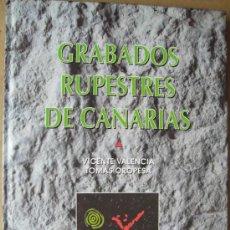 Libros: GRABADOS RUPESTRES DE CANARIAS. Lote 113298515