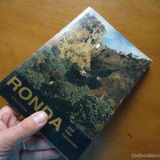 Libros: RONDA MALAGA CON MUCHISIMAS FOTOGRAFIAS MUY BUEN ESTADO GUIA O CATALOGO. Lote 57747383
