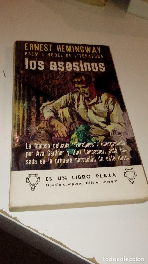 G-23130 LIBRO ERNEST HEMINGWAY LOS ASESINOS (Libros sin clasificar)