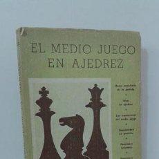 Libros: EL MEDIO JUEGO EN AJEDREZ - ZNOSKO-BOROVSKY, EUGENIO. Lote 127035816