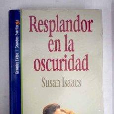 Libros: RESPLANDOR EN LA OSCURIDAD. Lote 156464185