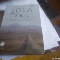Libros: SOLA EN BICI. Lote 182678240