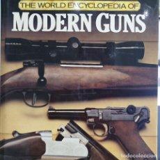 Libros: MODERN GUNS, ARMAS MODERNAS. AJR CORMACK. Lote 188824637