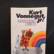 Libros: VONNEGUT JR. KURT - MATADERO CINCO. Lote 195029533