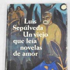Libros: UN VIEJO QUE LEÍA NOVELAS DE AMOR. Lote 226707265