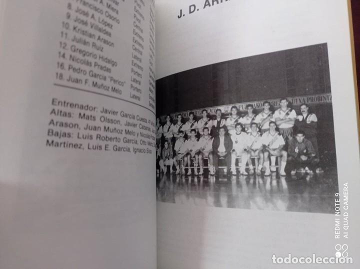 Libros: 4 GUÍAS OFICIALES DE BALONMANO DIVISIÓN -Asobal – - Foto 8 - 236263965