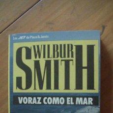 Libros: VORAZ COMO EL MAR WILBUR SMITH 1988 ED. PLAZA Y JANES. Lote 276719658