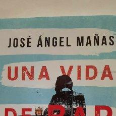 Libros: UNA VIDA DE BAR EN BAR DE JOSÉ ÁNGEL MAÑAS. Lote 285496363