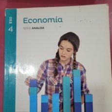 Libros: ECONOMÍA SERIE ANALIZA SANTILLANA 4 ESO. Lote 288349923