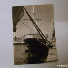 Líneas de navegación: BARCO NAVÍO ATRACADO PORT BARCELONA PUERTO DE BARCELONA FOTO ANTIGUA ORIGINAL AÑO 1956. Lote 97929363