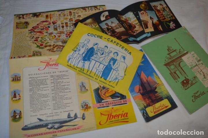 IBERIA AÑOS 50/60 - LOTE ANTIGUOS DOCUMENTOS / CATÁLOGOS PASAJEROS - MUY CURIOSOS Y VARIADOS ¡MIRA! (Coleccionismo - Líneas de Navegación)