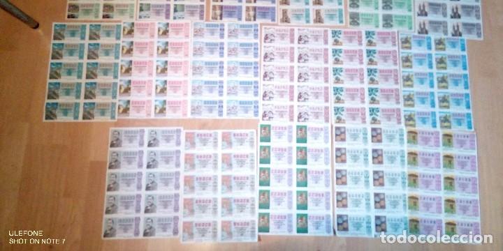 Lotería Nacional: lote de 20 pliegos con 10 decimos cada uno de loteria nacional desde 1975 a 1992 - Foto 3 - 227193910