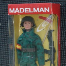 Madelman: MADELMAN SOLDADO ESPAÑOL CON BANDERA EN CAJA. Lote 57731135