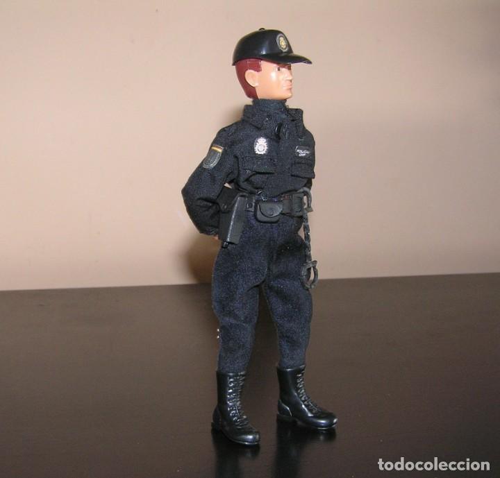 MADELMAN MDE. SERIE POLICÍAS. CUERPO NACIONAL DE POLICIA. NUEVO UNIFORME. (Juguetes - Figuras de Acción - Madelman)