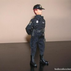 Madelman: MADELMAN MDE. SERIE POLICÍAS. CUERPO NACIONAL DE POLICIA. NUEVO UNIFORME.. Lote 231325250