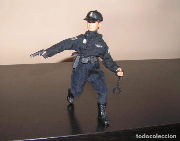 Madelman: Madelman MDE. Serie policías. Cuerpo Nacional de Policia. Nuevo uniforme. - Foto 3 - 132084818