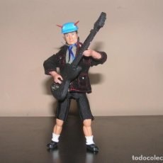 Madelman: MADELMAN MDE. ANGUS YOUNG. AC/DC. ROCKERO. HEAVY.. Lote 133736578