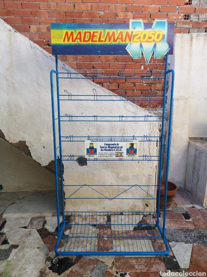 Madelman: Único y dificilisimo expositor madelman 2050 de antigua jugueteria - Foto 2 - 143122418