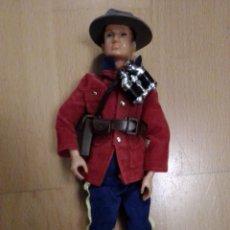Madelman: FIGURA DE ACCIÓN MADELMAN POLICÍA CANADIENSE OJOS AZULES. VER DESCRIPCIÓN. Lote 195513970