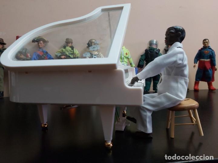Madelman: Madelman MDE. Pianista negro Casablanca. Tócala otra vez Sam. El piano funciona e incluye musica. - Foto 2 - 220722227