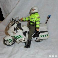 Madelman: MADELMAN . SERIE POLICÍAS. GUARDIA CIVIL DE TRAFICO CON MOTO.POPULAR DE JUGUETES. Lote 230467270
