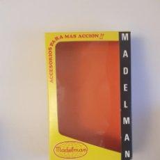 Madelman: CAJA AMARILLA ACCESORIOS MADELMAN (REPRODUCCION). Lote 237108315