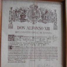 Manuscritos antiguos: DON ALFONSO XIII DOCUMENTO FIRMADO POR EL EN EL AÑO 1925, 27 X 38 CTMS. (VER FOTOS ADICCIONALES). Lote 40046335